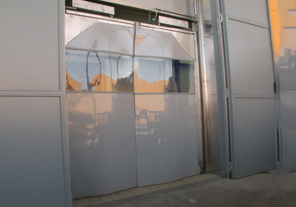 pvc swing door campisa