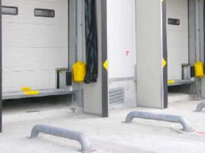 vehicle wheels guide for loading bays